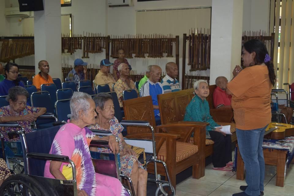 Pelayanan Di Panti Sosial Tresna Werdha (PSTW) 01 Cipayung dan PSTW 03 Ciracas