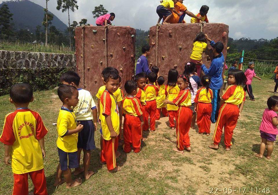 Field Trip PAUD Indonesia Bersyukur – Solo & PAUD Sion Mekar Jaya – Gunung Merapi