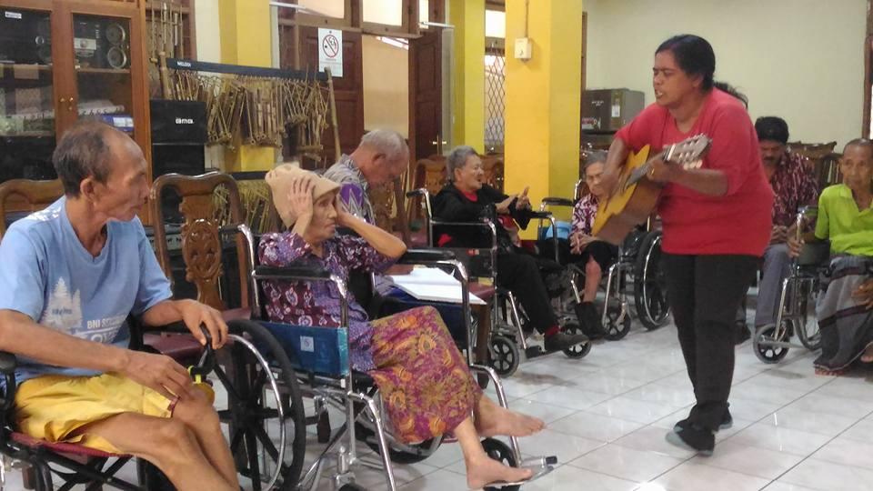 Ibadah Bersama Opa2 Dan Oma2 Di PSTW 3 Ciracas – Jakarta Timur