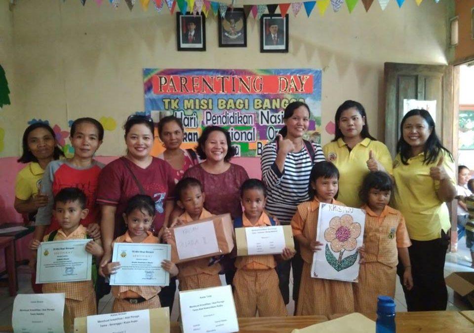 Kegiatan Parenting Day TK MBB Rawakalong