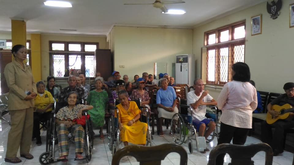 Pelayanan Opa2 Dan Oma2 Di PSTW Ciracas Jakarta Timur